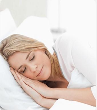 Cae en un sueño profundo y regenerador y, por la mañana, te despertarás descansado y lleno de energía.