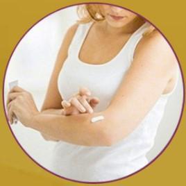 Aplique con ligeros movimientos de masaje sobre la zona problematica